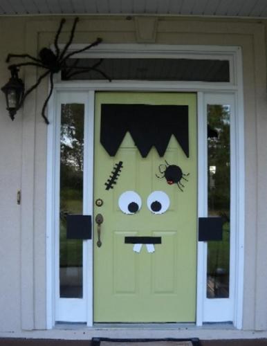 Cum sa ne decoram usa pentru Halloween