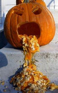 Dovleac de Halloween cu seminte.jpg