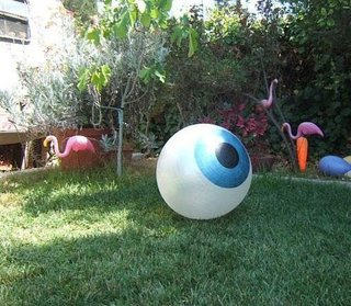 Ochi gigant pentru gradina
