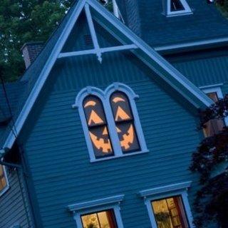 Lanterna lui Jack confectionata la fereastraleac