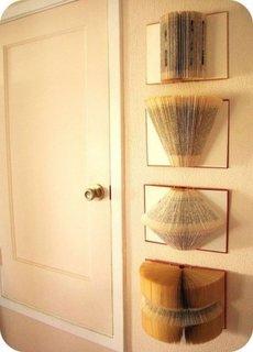 Decoratiuni inedite pentru pereti din carti