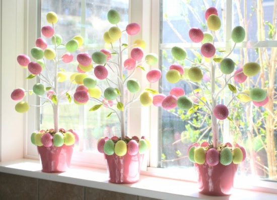 Aranjamente decorative colorate in ghivece