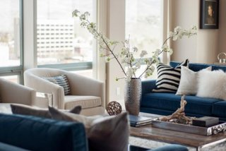 Combinatie armonioasa de culori si accesorii decorative