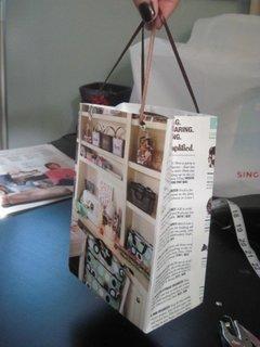 Punga de cadouri handmade din reviste