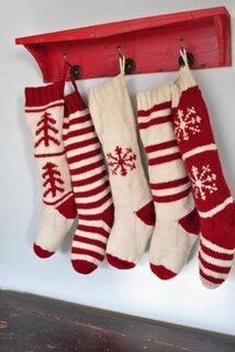 Sosete de lana tricotate alb cu rosu