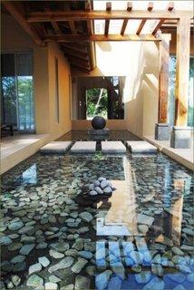 Decor terasa cu pietre de rau