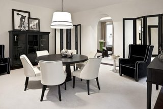 Dining cu decor clasic alb negru