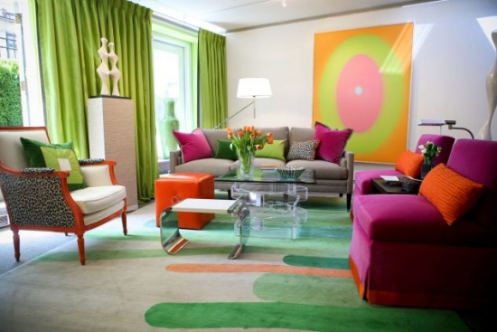 Living cu decor multicolor