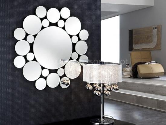 Decoratiune superba din oglinzi