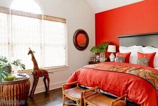 Dormitor cu design rosu