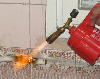 Demontare calorifer bucatarie dilatare teava