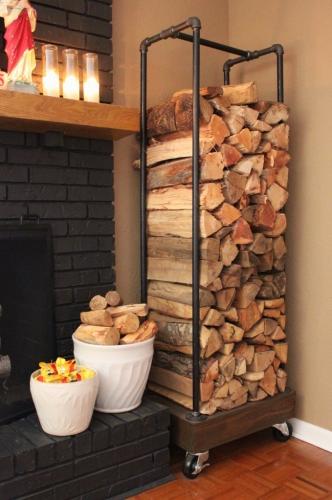 Idee depozitare lemne pentru semineu