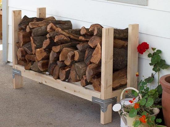 Suport din lemn pentru depozitare in curte