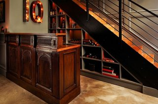 Idee transformare in bar a spatiului de sub scara