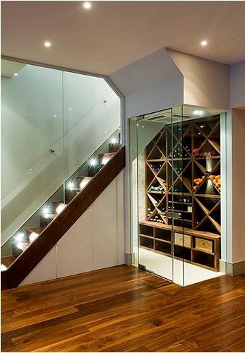 Model de dulap pentru vinuri