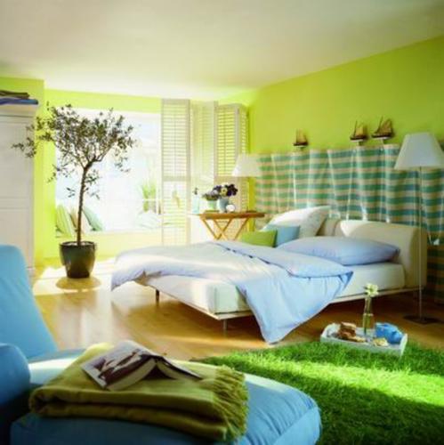 Dormitor amenajat in culori luminoase