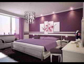 Dormitor amenajat in nuante de violet