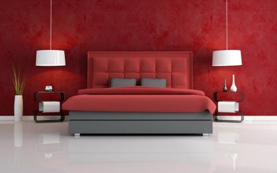 Dormitor elegant cu decor alb rosu