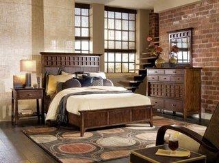 Dormitor rustic cu mobilier din lemn
