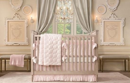 Camera de fetita decorata in roz pal si gri
