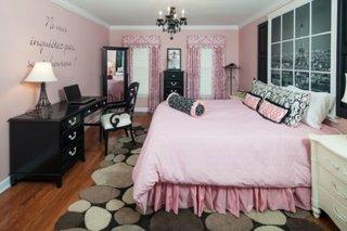 Decor elegant dormitor roz negru