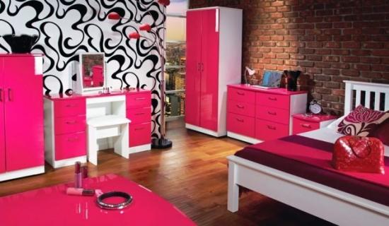 Dormitor modern roz  cu negru