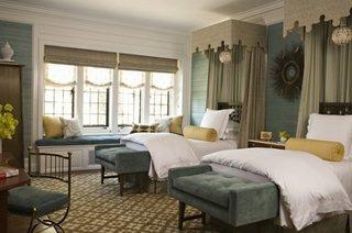 Dormitor cu mobila si accesorii de lux