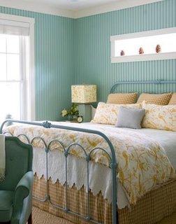 Frumos design interior pentru dormitor in schema cromatica turcoaz galben si gri