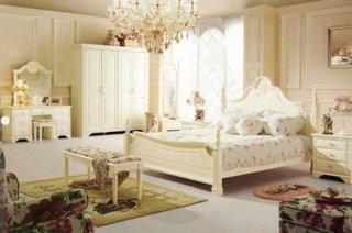 Dormitor simplu cu mobila alba