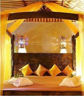 Dormitor din Maroc cu galben aprins