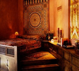 Pat marocan cu tablie din lemn pictata manual si scara din lemn