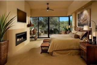 Dormitor cu semineu decorativ