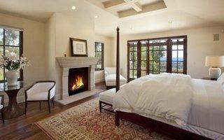 Dormitor matrimonial cu semineu traditional