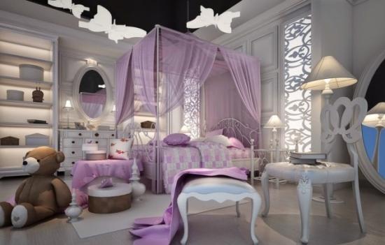 Accesorii violet pentru camera cu mobila alba