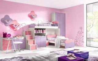 Camera pentru fete cu mov si roz