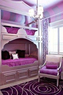 Design interior violet camera copii