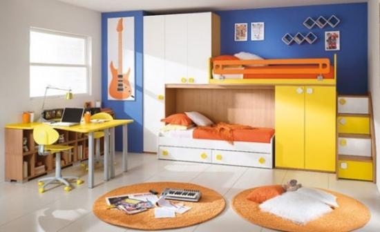 Dormitor colorat pentru copii cu galben si albastru