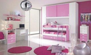 Dormitor pentru fetite cu lila roz si alb si pat etajat