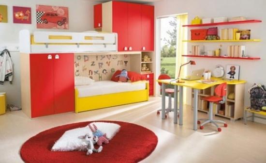 Mobila de dormitor pentru copii cu rosu si galben si birou asortat