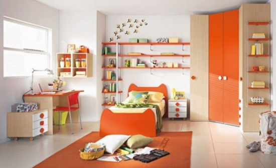 Mobila de dormitor tineret cu portocaliu si alb