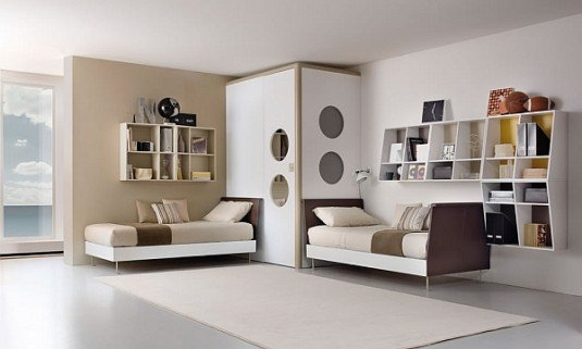 Dormitor comun, pentru fata si baiat, in nuante neutre