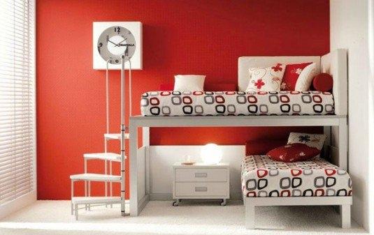 Dormitor pentru fetite in accente de rosu si alb cu putin negru