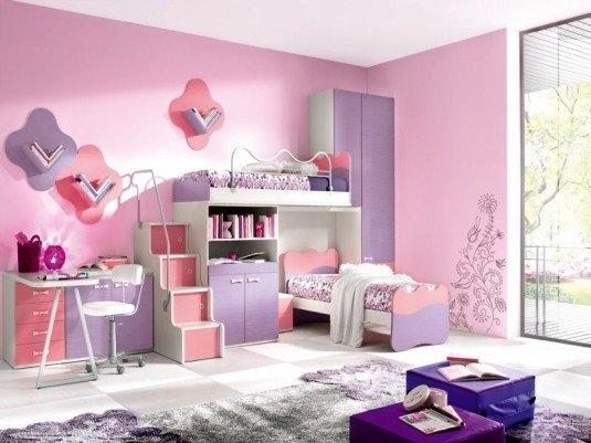 Rozul si movul sunt culorile de baza pentru amenajarea camerei fetitelor