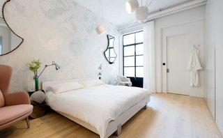 Dormitor elegant in culori pastel