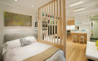 Dormitor in stil scandinav intr-un apartament de o camera
