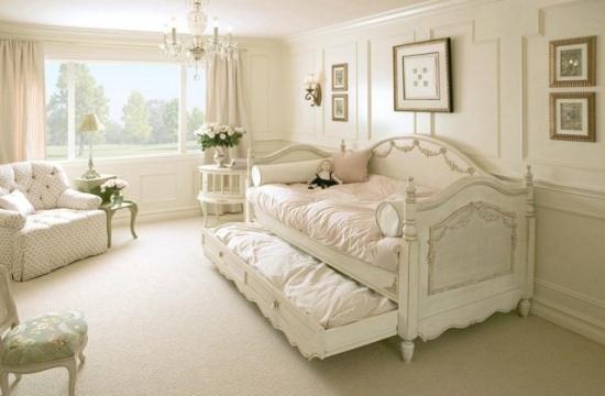 Dormitor tot alb