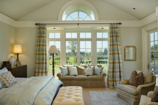 Draperii cu dungi orizontale dormitor