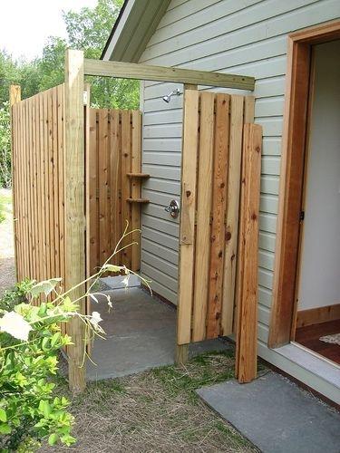 Dus de gradina cu cabina din lemn