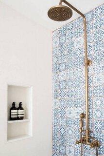 Faianta albastra in stil tunisian