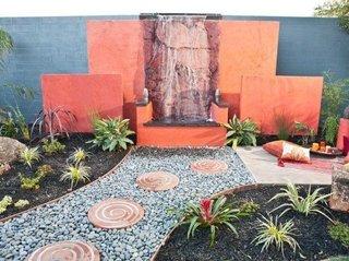 Pavaj ornamental din pietre si lemn